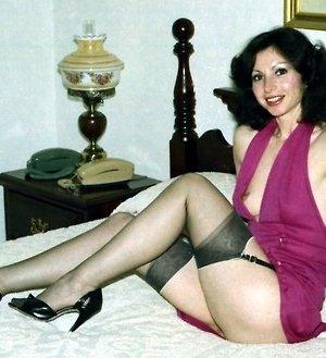 Фотографии в стиле ретро порадуют многих любителей классического секса со времен восьмидесятых - фото 1