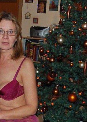 Парочки очень жарко встречают Рождество – это можно увидеть в сексуальной галерее фотографий - фото 8