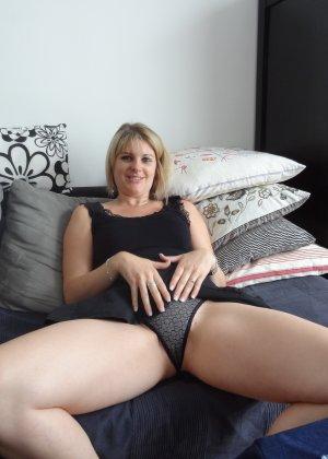 Женщина очень любит секс и не против съёмки во время процесса - она достаточно раскована для этого - фото 14