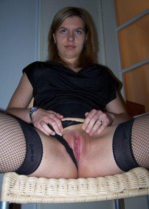 Девушки раздеваются в домашних условиях и показывают свои сексуальные тела всем желающим - фото 42