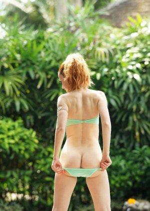Соблазнительные красотки в эротических комплектах дают себя рассмотреть и восхищают - фото 9