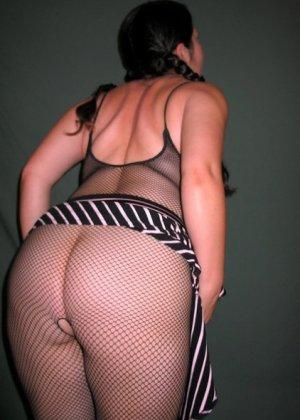 Ванеса Рейес показывает свои огромные буфера перед камерой и поражает их невероятным объёмом - фото 45