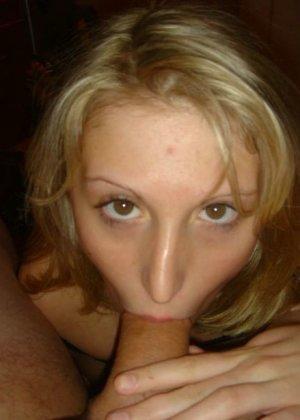 Юлия любит баловаться со своей подружкой – она переодевается в черную сетку, которая соблазнительно выглядит - фото 4