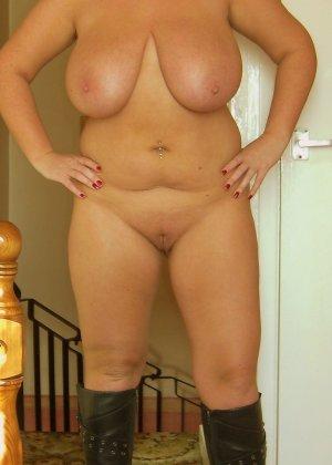 Девушки раздеваются в домашних условиях и показывают свои сексуальные тела всем желающим - фото 25
