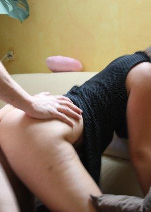 Женщина очень любит секс и не против съёмки во время процесса - она достаточно раскована для этого - фото 24