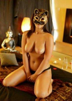 Девушки скрывают свои лица, зато показывают все остальное – сексуальные груди, обкончанные ротики - фото 1