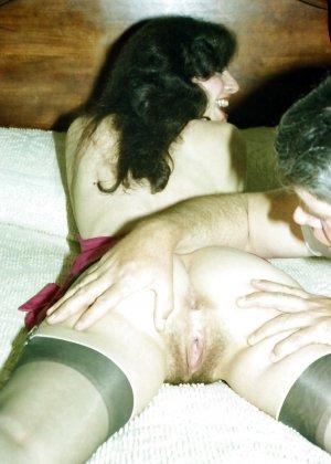 Фотографии в стиле ретро порадуют многих любителей классического секса со времен восьмидесятых - фото 11