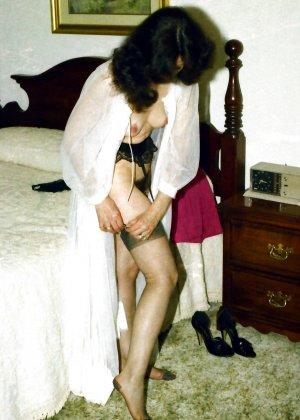 Фотографии в стиле ретро порадуют многих любителей классического секса со времен восьмидесятых - фото 15