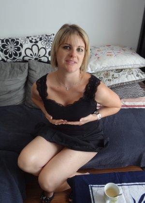 Женщина очень любит секс и не против съёмки во время процесса - она достаточно раскована для этого - фото 12
