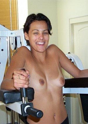Джейн показывает себя в обнаженном виде и демонстрирует, как она любит развлекаться с женским полом - фото 48