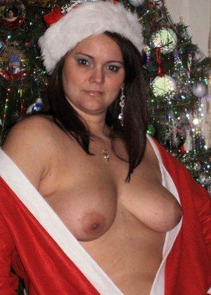 Парочки очень жарко встречают Рождество – это можно увидеть в сексуальной галерее фотографий - фото 4