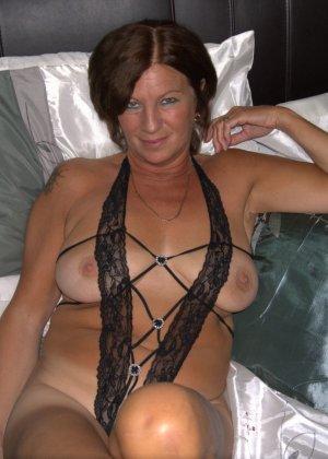 Опытная женщина знает, что нужно для того, чтобы выглядеть невероятно соблазнительно на фотографиях - фото 24