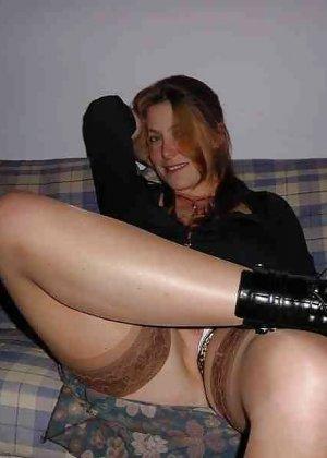 Польская дамочка раздевается перед камерой, показывая все самые интимные части своего тела - фото 10