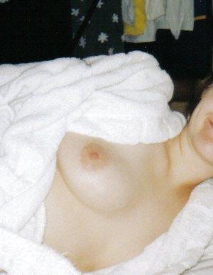 Андреа – зрелая развратница, которая показывает свое тело без излишнего стеснения и комплексов - фото 4