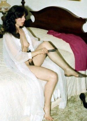 Фотографии в стиле ретро порадуют многих любителей классического секса со времен восьмидесятых - фото 16