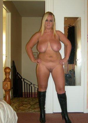Девушки раздеваются в домашних условиях и показывают свои сексуальные тела всем желающим - фото 24