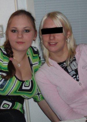 Девушки напиваются и устраивают мощную оргию на весёлой домашней вечеринке - фото 14