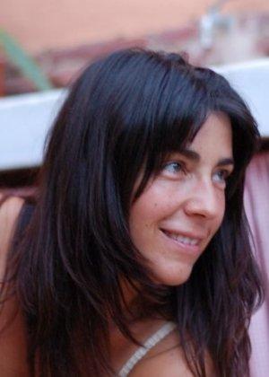 Джемма из Барселоны – зрелая брюнетка, которая умеет быть сексуальной, ничего с себя не снимая - фото 6
