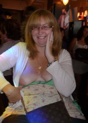 Рита ла Белль – смелая иностранка, которая показывает некоторые части тела в разных ситуациях - фото 19