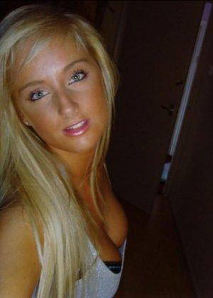Блондинка с огромными буферами возбудит многих мужчин – она способна понравиться многим - фото 15