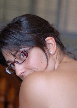 Джемма из Барселоны – зрелая брюнетка, которая умеет быть сексуальной, ничего с себя не снимая - фото 5