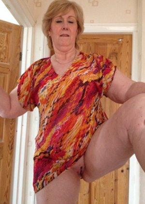 Жирная зрелая женщина показывает свое пышное тело всем желающим – кому-то может понравиться и такое - фото 10