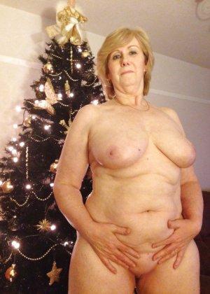 Жирная зрелая женщина показывает свое пышное тело всем желающим – кому-то может понравиться и такое - фото 30