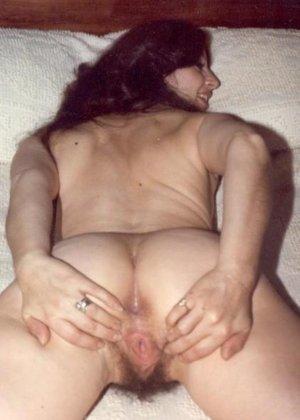 Фотографии в стиле ретро порадуют многих любителей классического секса со времен восьмидесятых - фото 9