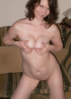Женщина соглашается на домашнюю фотосессию, в которой она смело остаётся без одежды - фото 9