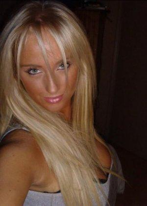Блондинка с огромными буферами возбудит многих мужчин – она способна понравиться многим - фото 7