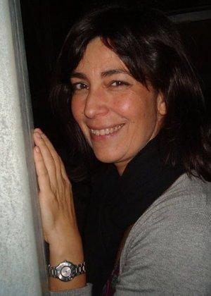 Джемма из Барселоны – зрелая брюнетка, которая умеет быть сексуальной, ничего с себя не снимая - фото 2