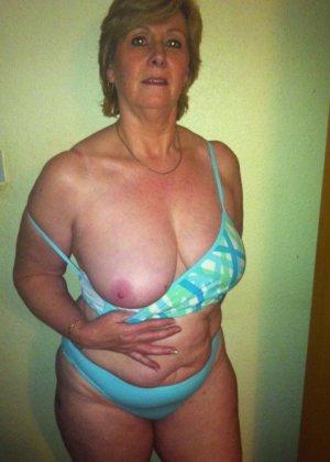 Жирная зрелая женщина показывает свое пышное тело всем желающим – кому-то может понравиться и такое - фото 20
