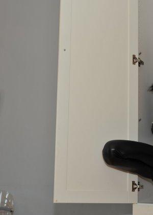 Сексуальная русская кошечка хоть и не обладает грудью, но всё же очень привлекательно выглядит - фото 30
