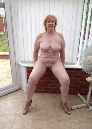 Жирная зрелая женщина показывает свое пышное тело всем желающим – кому-то может понравиться и такое - фото 4