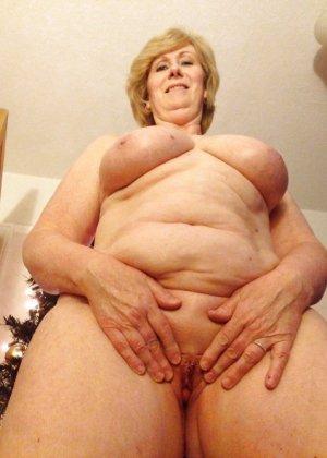 Жирная зрелая женщина показывает свое пышное тело всем желающим – кому-то может понравиться и такое - фото 28