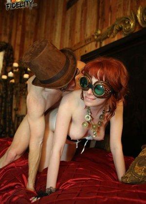 Zoey Nixon - Галерея 3383390 - фото 2