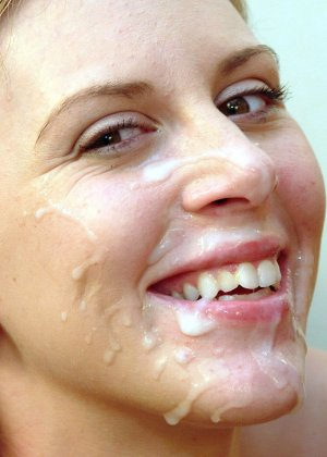 Пожружка делает утренний минет и получает много белка на лицо - фото 9