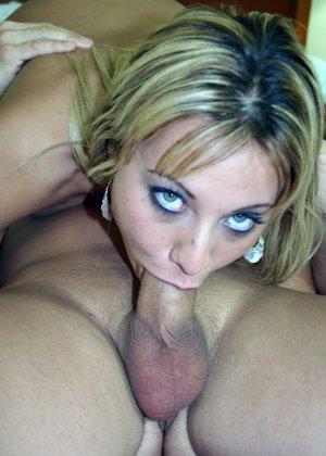 Порно камшот блондинки порадует любителей спермы на лице у красоток, которые красиво трахаются а в конце сосут - фото 15