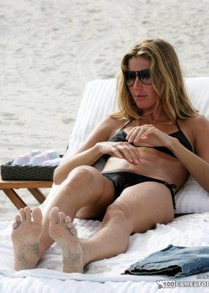 Сексуальные знаменитости, они выглядят хорошо даже, когда отдыхают или ходят за покупками - фото 1