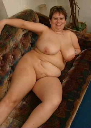 Жирная женщина с редкими волосами на лобке - фото 11