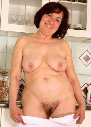 Женщина 63 лет, хочет чтобы с ее пиздой поиграли - фото 16