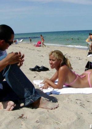 Девушка решается на секс с представителем другой национальности – ей очень интересно поэкспериментировать - фото 7