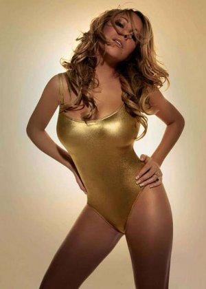 Знаменитость Мэрайя Кери всегда в окружении мужчин, ее сексуальное тело не дает им покоя - фото 8
