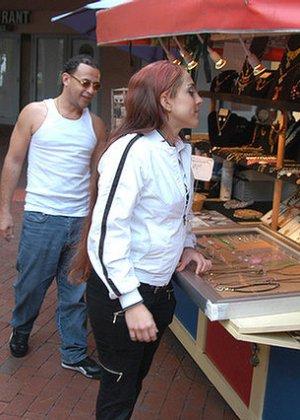 Латина согласилась на трах с незнакомцем, похваставшимся ей большим хером и пообещавшим много удовольствия - фото 4