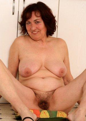 Женщина 63 лет, хочет чтобы с ее пиздой поиграли - фото 6