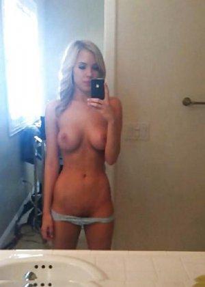 Селфи голых подружек - фото 15