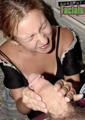 Горничная в порно – это телка, которая готова за отдельную плату сосать хуй хозяина и даже сперму глотает - фото 10
