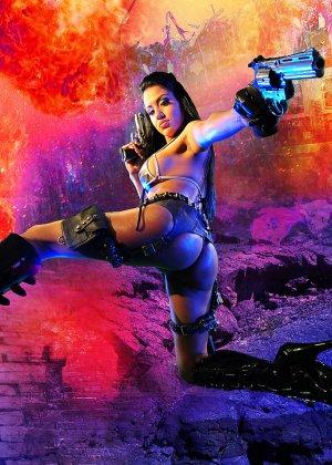 Джессика вооружена и очень опасна - фото 1