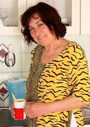 Женщина 63 лет, хочет чтобы с ее пиздой поиграли - фото 8