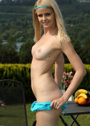 Блондинка Саманта выглядит так невинно, а на деле оказывается очень даже развратной стервочкой - фото 9